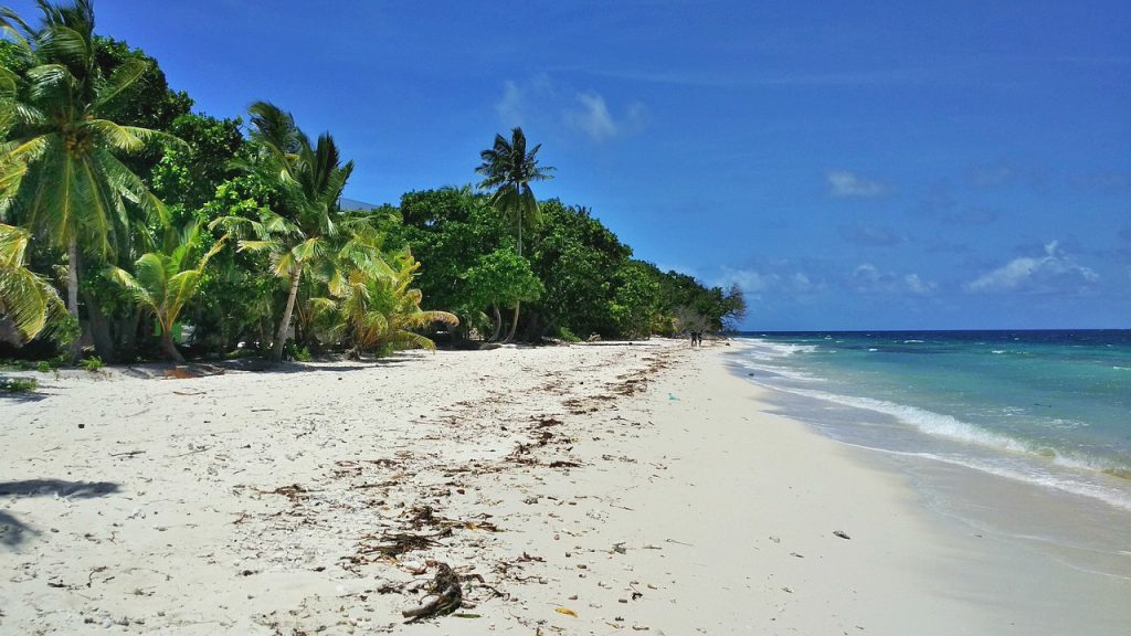 dharavandhoo-beach-view