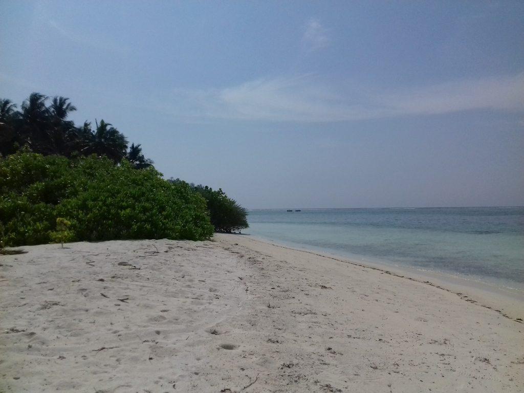 dhiffushi-guest-beach-1