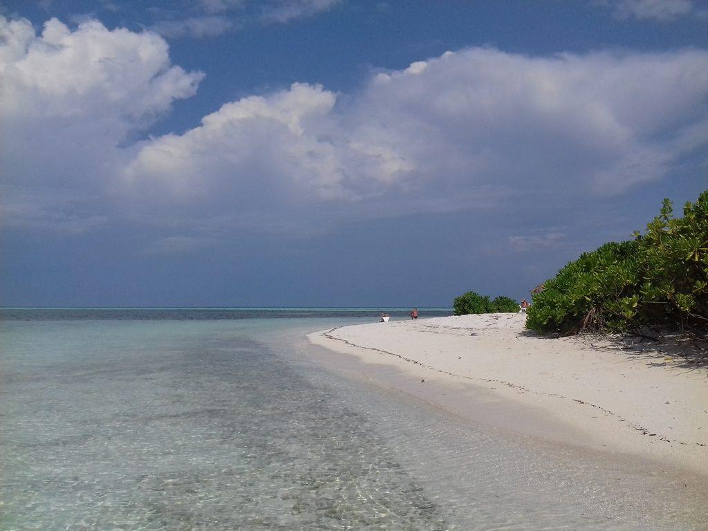 dhiffushi-guest-beach-view