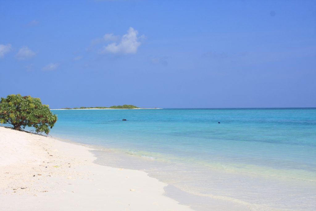 guide-to-budget-maldives-ocean-view