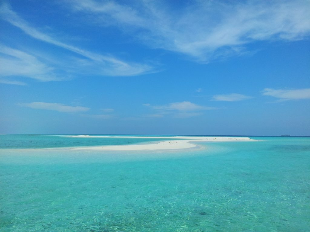 guide-to-budget-maldives-sandbank