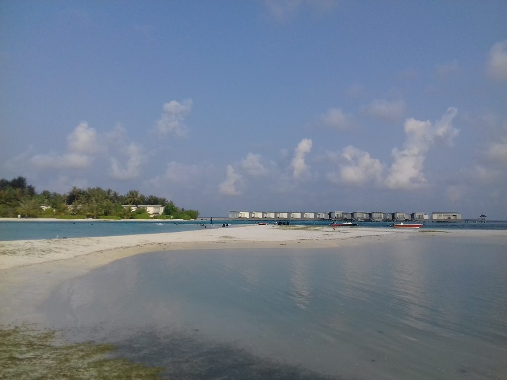 guraidhoo-local-beach