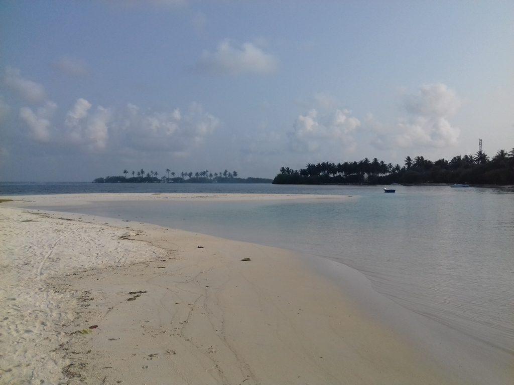 guraidhoo-local-beach-view-1