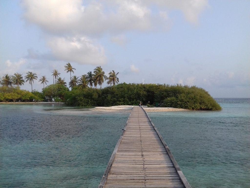 guraidhoo-picnic-island-bridge