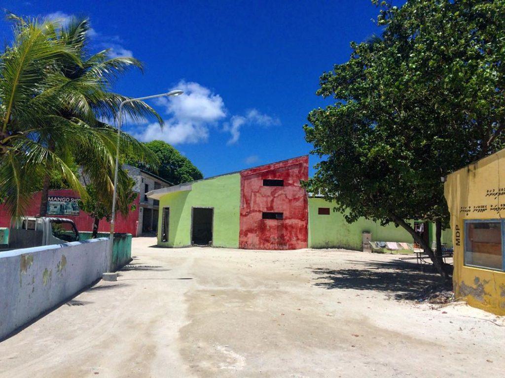 how to choose local island street