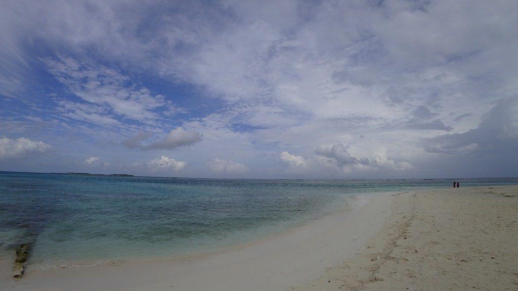 maafushi-beach-2