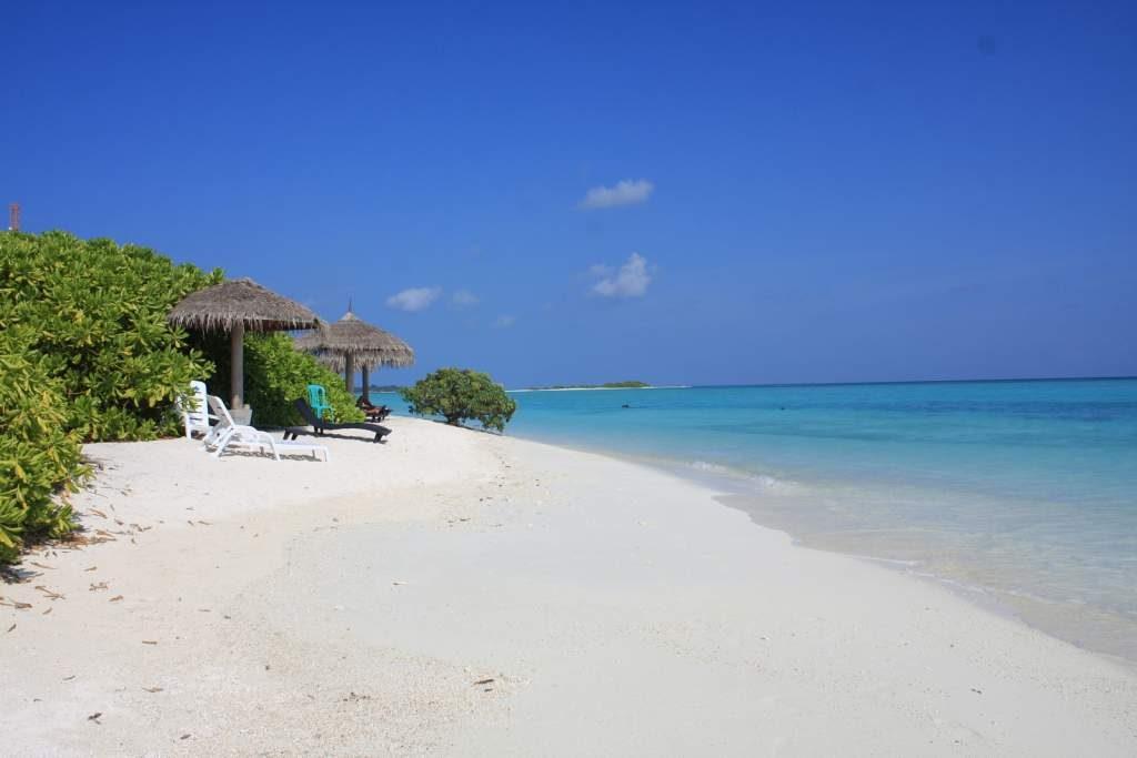 mathiveri-bikini-beach