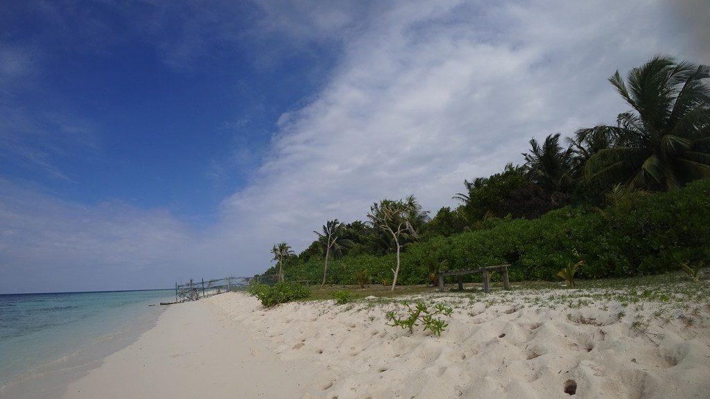 omadhoo-bikini-beach-1