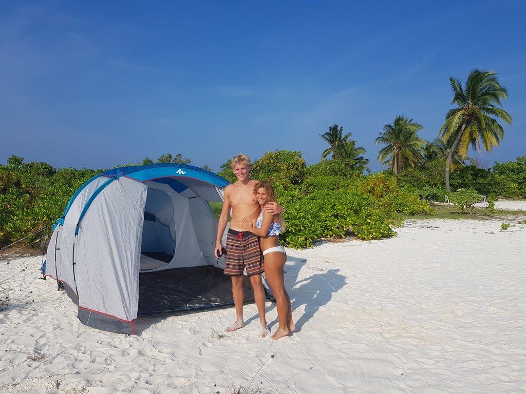 omadhoo-picnic-island-1
