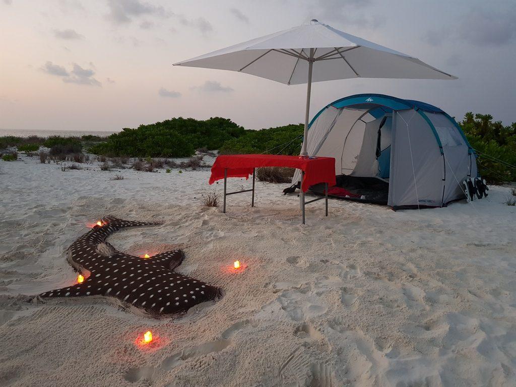 omadhoo-picnic-island-overnight