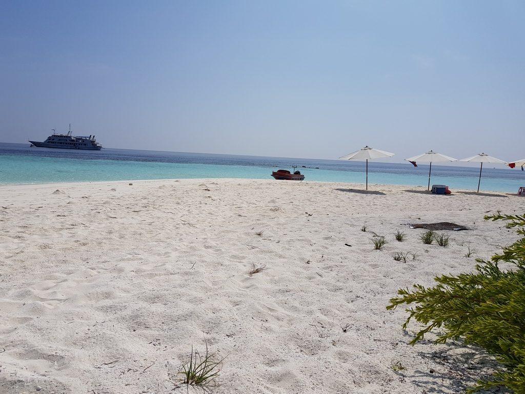 omadhoo-sand-bank
