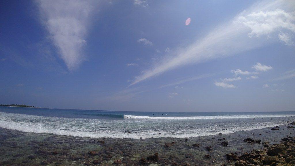 thulusdhoo-surf-waves