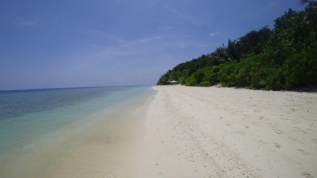 ukulhas-beach-area-1