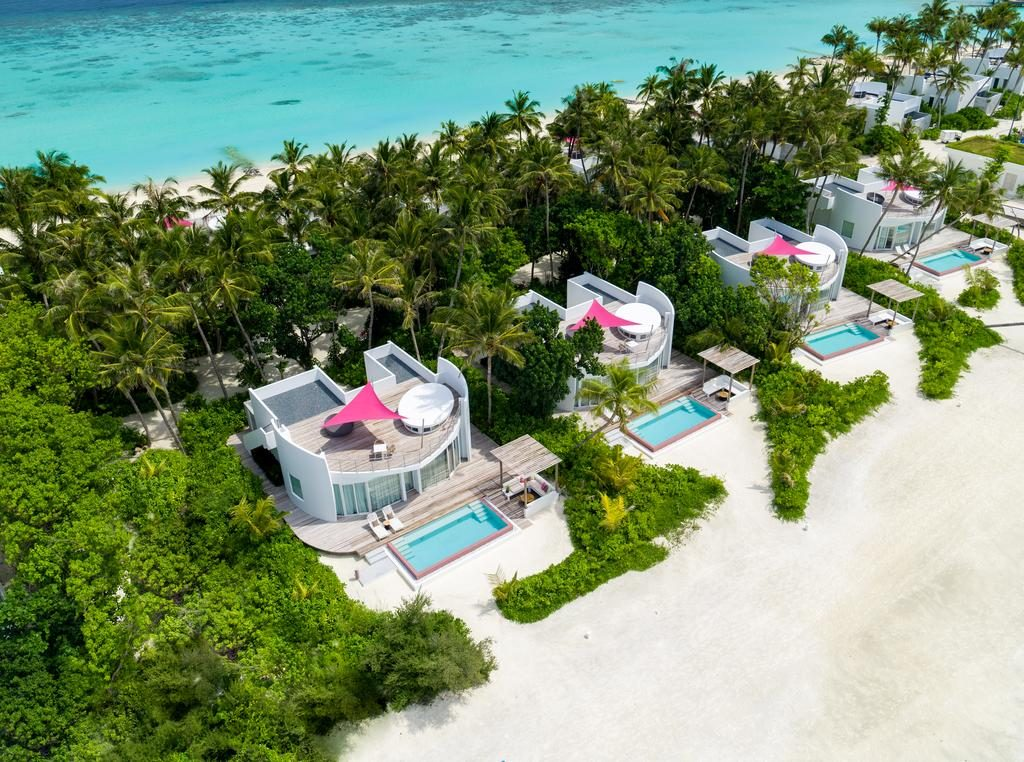 how to choose a resort in Maldives beach villas