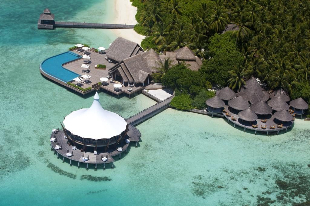 how to choose a resort in Maldives island view