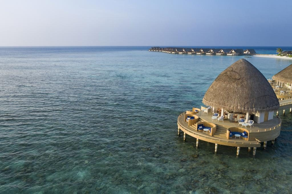 how to choose a resort in Maldives restaurant