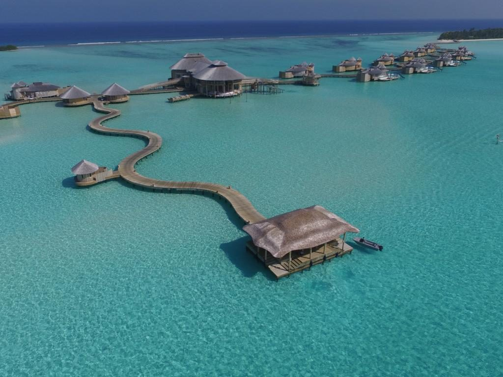 how to choose a resort in Maldives villas