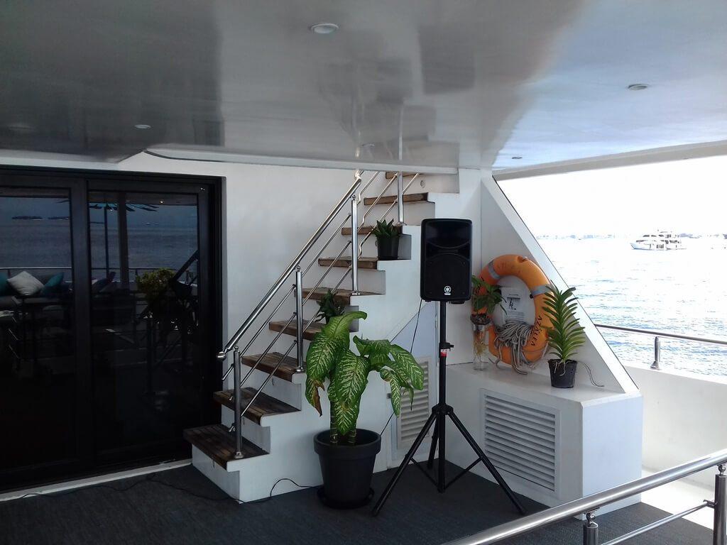 azalea-cruise-2-deck-speaker