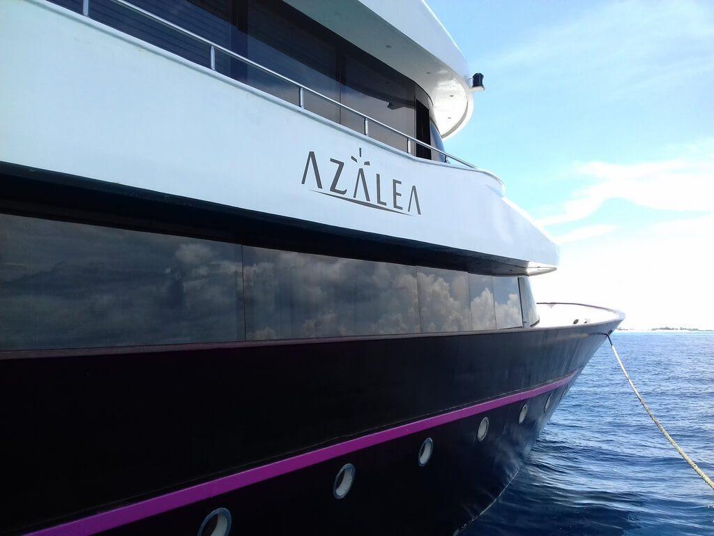 azalea-cruise-boat