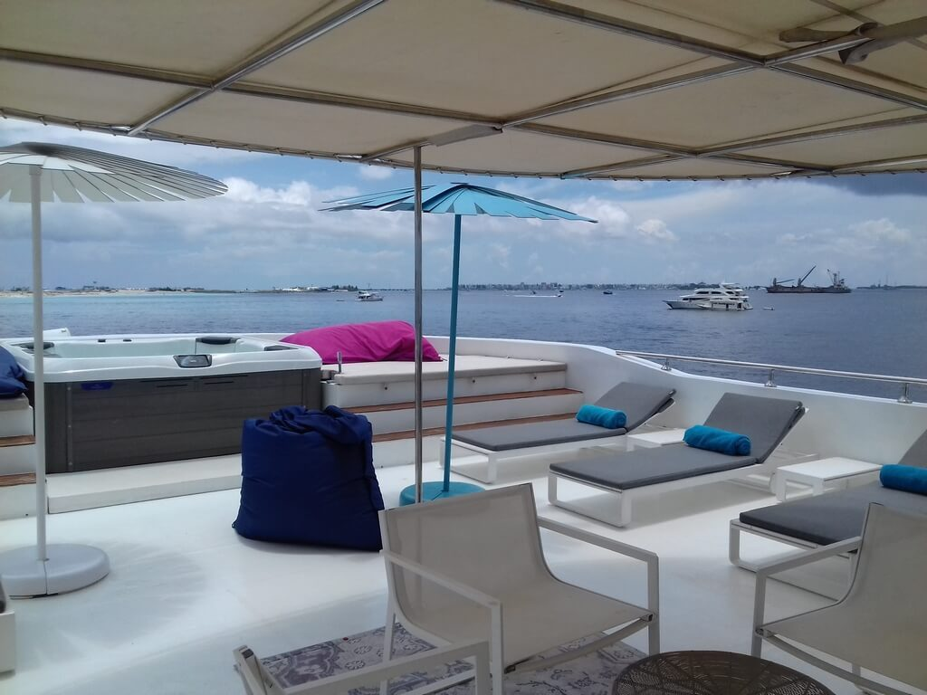 azalea-cruise-sundeck-view