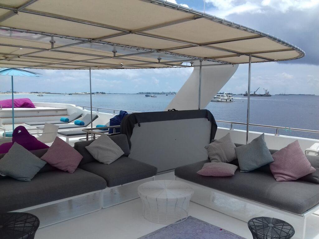 azalea-cruise-sundeck-view-boat