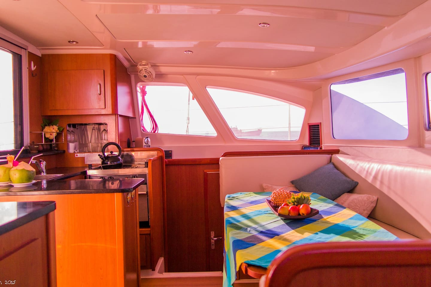 sailing-yacht-cingwe-kitchen
