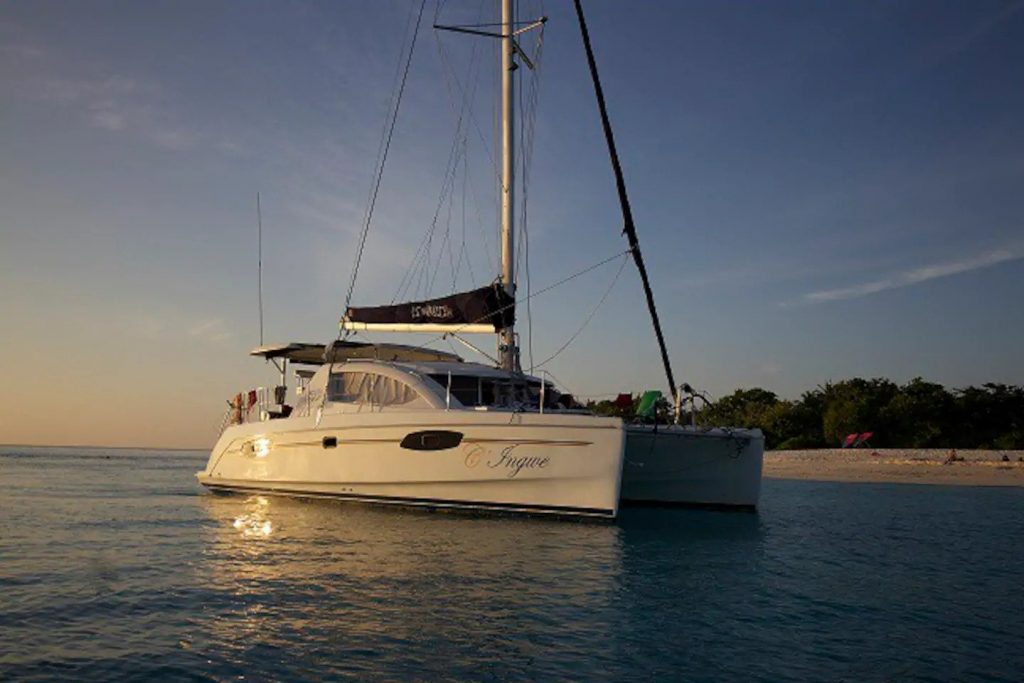 sailing-yacht-cingwe-outside