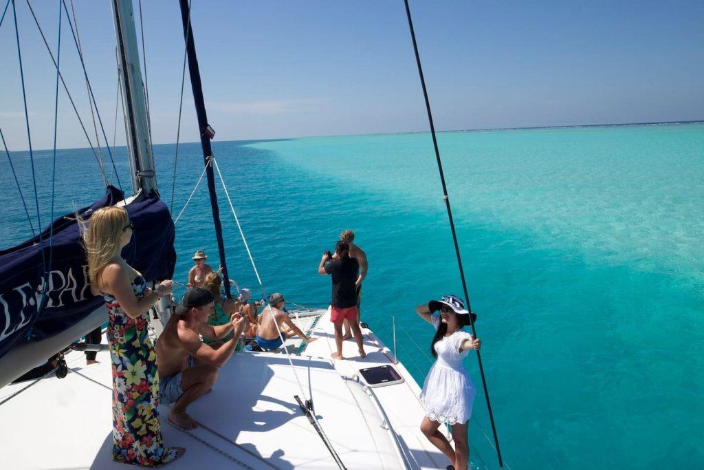 sailing-yacht-cingwe-people