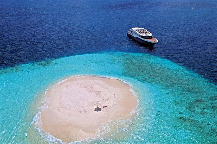 scubaspa-boat-island