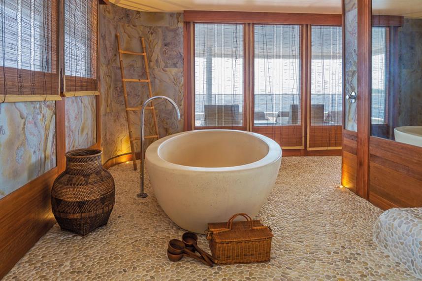scubaspa-spa-bath
