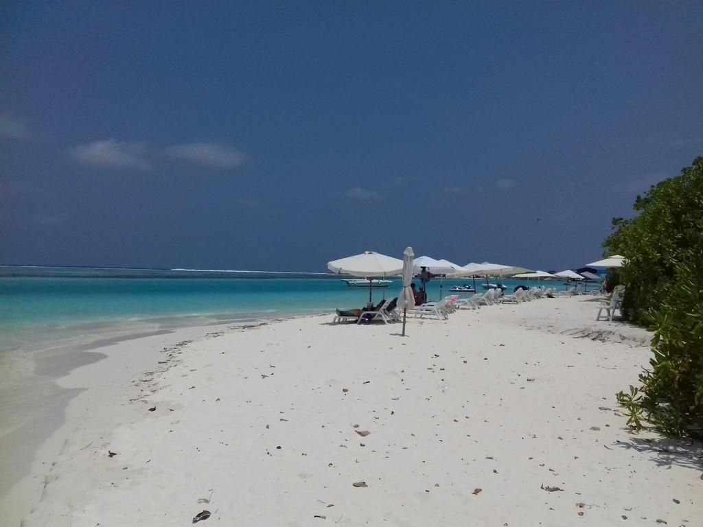 dhiffushi-beach-view