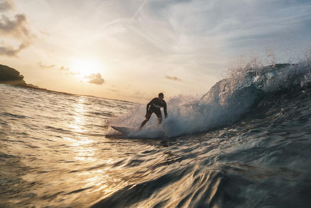 himmafushi surfing