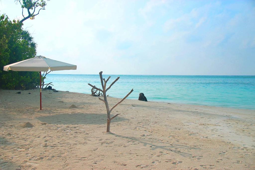 goidhoo beach